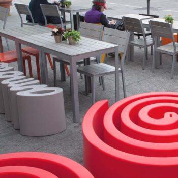 design-pouf-sitzinsel-slide-summertime-outdoor-objekt-moebel-1