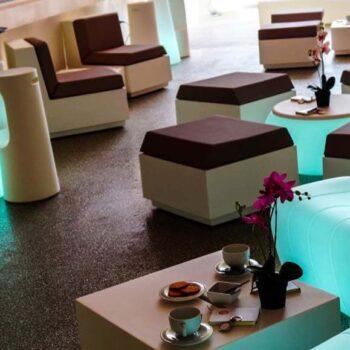 plust-exklusiv-objekt-design-loungemoebel-tisch-big-cut-collection