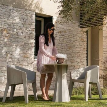 plust-frozen dining-table-chair-ambiente-2