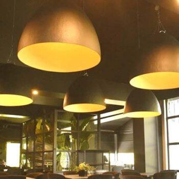 slide-plume-design-beleuchtung-pendelleuchte-gross-xl-haengelampe-objekt-gastronomie