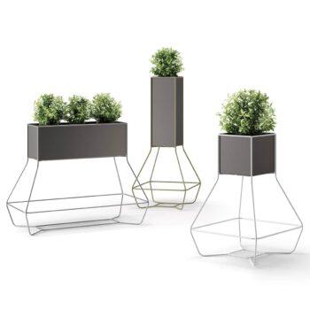 Design-Pflanzgefaesse-Metallstruktur-plust-halful-groessen-auswahl