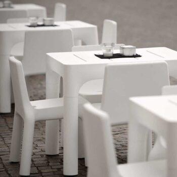 plust-simple-collection-outdoor-objekt-moebel-weiss