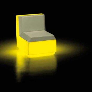 beleuchtete-moebel-sofa-modul-plust-big-cut-led-light
