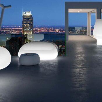 exklusives-gartensofa-beleuchtet-design-moebel-gartenmoebel-objekt-hotel-gastronomie-plust-gumball