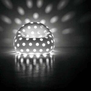 plust-airball-armchair-beleuchtete-lounge-moebel-objekt-gartenmoebe1