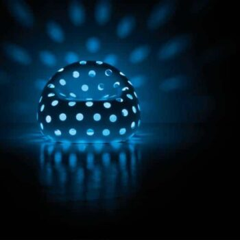 plust-airball-armchair-beleuchtete-lounge-moebel-objekt-gartenmoebel-4