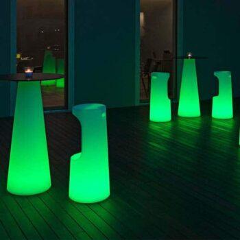 plust-beleuchtete-design-moebel-barhocker-fura-beleuchtet-in-outdoor