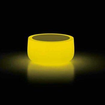 plust-moebel-design-gartentisch-beleuchtet-bold-led-light-table-yellow