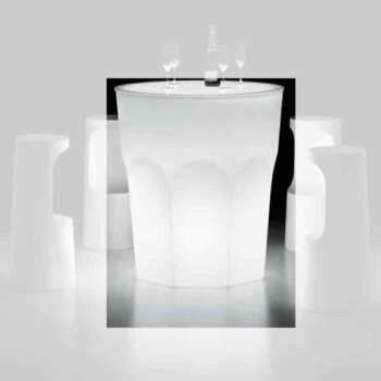 plust-design-bartisch-stehtisch-beleuchtet-cubalibre-table-light