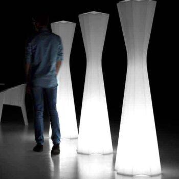 plust-frozen-lamp-design-bar-moebel-standleuchte-in-outdoor-2