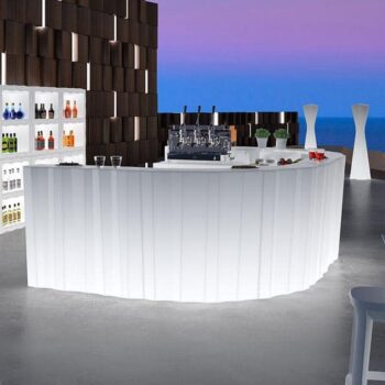 plust-frozen-light-bar-display-beleuchtet-exklusive-objekt-hotel-moebel