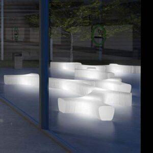 plust-jetlag-light-design-sitz-modul-beleuchtet-objekt-design-bank-sitzreihen-1