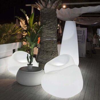 plust-moebel-beleuchtung-gumball-armchair-collection-in-outdoor