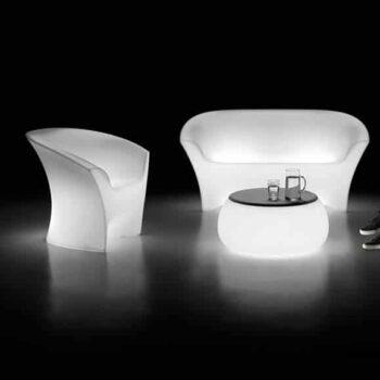 plust-ohla-sofa-beleuchtet-in-outdoor-exklusive-objekt-design-gartenmoebel-beleuchtet-2