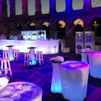 plust-xxl-pflanzgefaesse-objekt-ausstattung-hotel-gastronomie-cubalibre-light