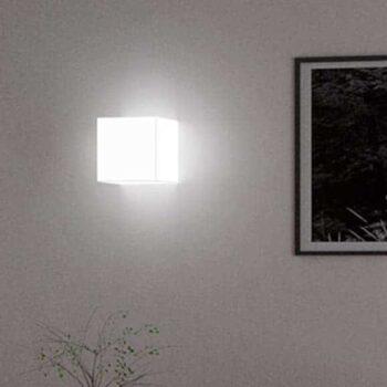 slide-cubo-wall-wandleuchte-wandlampe-deckenleuchte-wuerfel-kubus-beleuchtet