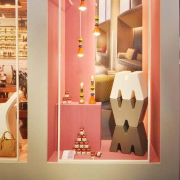 pos-design-sitz-buchstabe-m-w-kunststoff-in-outdoor-moebel-dekoration-slide-italien