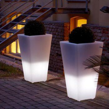 slide-y-pot-light-pflanzkuebel-eckig-beleuchtet-3-groessen