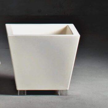 grosser-design-pflanzkasten-quadratisch-serralunga-kabin-50