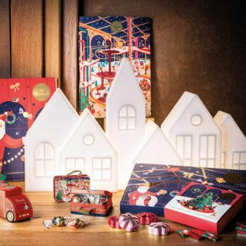 beleuchtete-weihnachts-shop-dekoration-xl-slide-kuusi-kolme