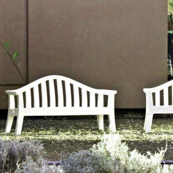 designer-gartenbank-sitz-bank-kunststoff-serralunga-giulietta-in-outdoor-weiss-1