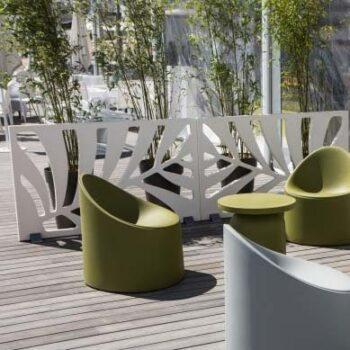 exklusive-sichtschutz-wand-serralunga-kentia-in-outdoor