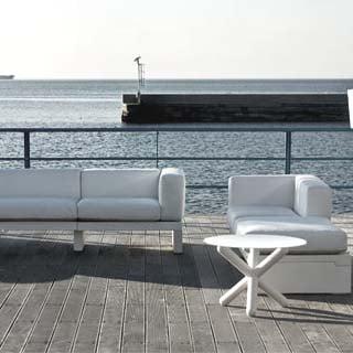 serralunga-hour-design-sofa-in-outdoor-4