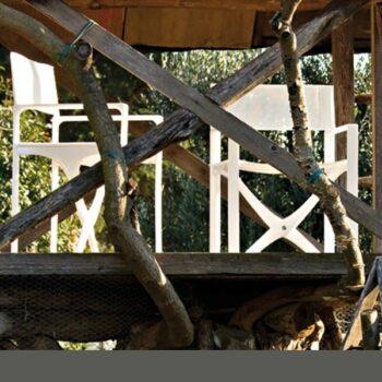 regiestuhl-klappbar-weiss-in-outdoor-serralunga-regista-exklusive-objekt-designer-moebel