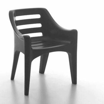 serralunga-russel-design-gartenmoebel-objekt-design-in-outdoor-schwarz-kunststoff