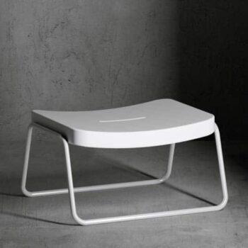 serralunga-time-out-stool-fusshocke-rexklusiv-objekt-gartenmoebel