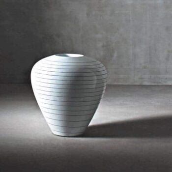 serralunga-grand-jane-exklusive-vase-lackiert-design-marc-sadler
