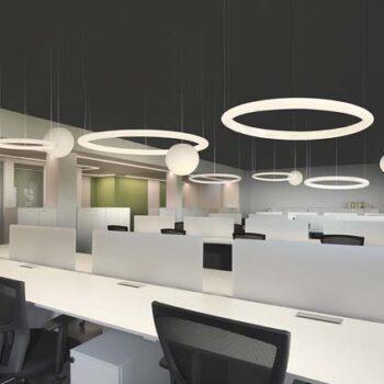 slide-giotto-xxl-ring-leuchte-kreis-rund-objekt-grossraum-beleuchtung-groß-format