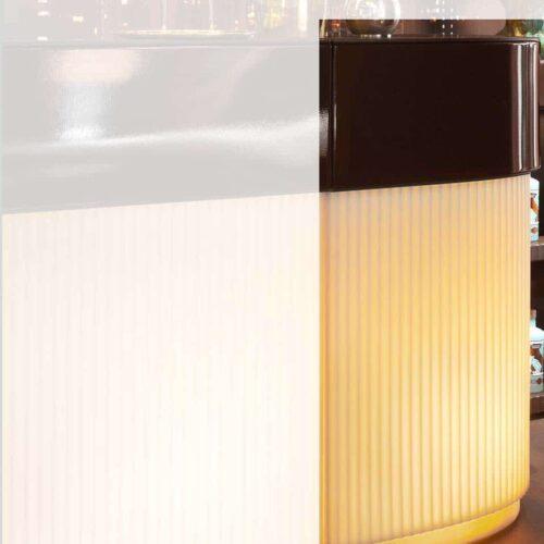 Slide CORDIALE CORNER LIGHT beleuchtet Indoor-Outdoor