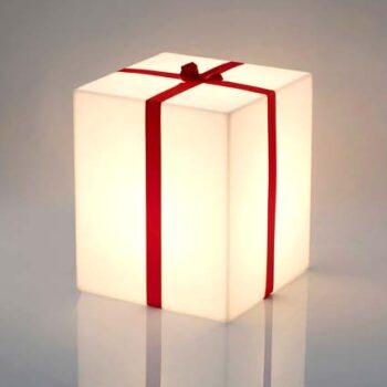 shop-schaufenster-geschenk-dekoration-beleuchtet-slide-merry-cubo