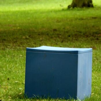 sitzwuerfel-outdoor-kunststoff-wetterfest-pflegeleicht-serralunga-lounge-cube