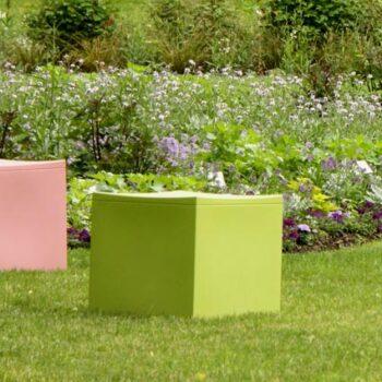 sitzwuerfel-outdoor-kunststoff-wetterfest-pflegeleicht-serralunga-lounge-cube-gruen